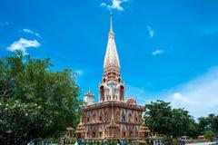 Wat查龙寺庙复合体在普吉岛,泰国 库存图片