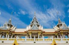 Wat泰国佛教寺庙屋顶 免版税库存照片