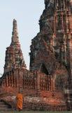 Wat的柴Wattanaram,阿尤特拉利夫雷斯,泰国和尚 图库摄影