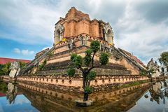 Wat的Chedi Luang古老塔在清迈,泰国 库存图片