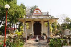 Wat的Sri荣Muang, Lampang,泰国主要大厅 库存图片