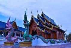 Wat禁令小室的清迈,泰国惊人的美丽的被雕刻的木教堂 库存照片