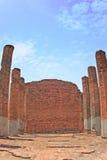 wat老砖墙在Ayuthaya的 库存照片
