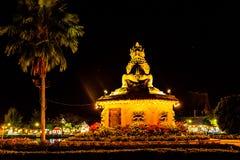 Wat崇公巴生和Wat崇公西康省在晚上 免版税图库摄影