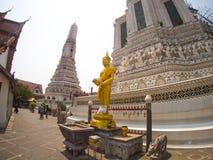 Wat arun寺庙或晓寺在曼谷,泰国 免版税图库摄影