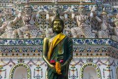 Wat Arun är en buddistisk tempel Arkivfoto