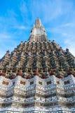 Wat Arun är en buddistisk tempel Fotografering för Bildbyråer