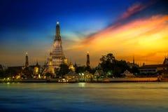 Wat Arun - świątynia świt w Bangkok Fotografia Royalty Free