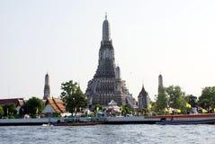 Wat Arun στην όχθη ποταμού Chao Phraya στην πόλη της Μπανγκόκ, Ταϊλάνδη, Ασία Στοκ Εικόνα