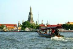 Wat Arun στην όχθη ποταμού Chao Phraya στη Μπανγκόκ, Ταϊλάνδη, Ασία Στοκ Εικόνες