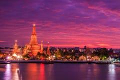 Wat Arun στο ηλιοβασίλεμα Στοκ Εικόνες