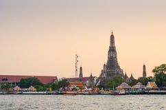 Wat Arun al crepuscolo, Bangkok, Tailandia Fotografie Stock