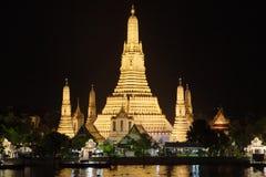 Wat Arun alla notte fotografia stock