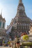 Wat Arun in Bangkok - Tempel van Dawn Stock Afbeeldingen