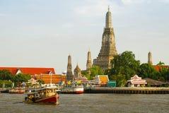 Wat Arun Bangkok. Temple of the dawn or Wat Arun Ratchawararam Ratchawaramahawihan in Bangkok Royalty Free Stock Images