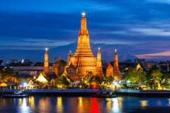 Wat Arun Buddhist religious places in twilight time. Bangkok, Thailand stock photography