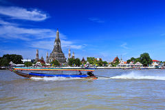 Wat Arun and cloudscape Stock Photography