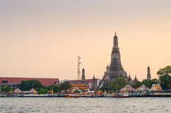 Wat Arun at dusk, Bangkok, thailand Stock Photos