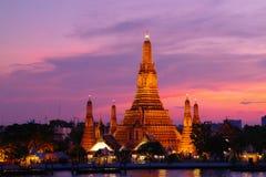 Wat Arun en la noche, Bangkok, Tailandia Imagen de archivo libre de regalías