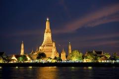 Wat Arun en Songkran Fotos de archivo