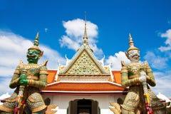 Wat Arun i dagljus Arkivfoto