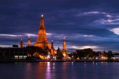 Wat Arun lub świt świątynia zdjęcia royalty free