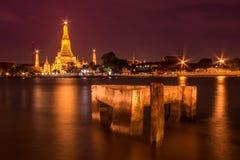 Wat Arun-Markstein von Thailand Lizenzfreie Stockbilder