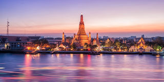 Free Wat Arun Night View Temple Stock Images - 55087464