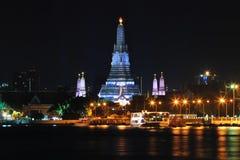 Wat Arun Rajwararam και φωτισμός στη νύχτα Στοκ εικόνες με δικαίωμα ελεύθερης χρήσης