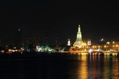 Wat Arun Rajwararam και φωτισμός στη νύχτα Στοκ φωτογραφία με δικαίωμα ελεύθερης χρήσης