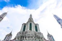 Wat Arun Ratchawararam Ratchawaramahawihan ou Wat Arun est un temple bouddhiste à Bangkok, Thaïlande photo libre de droits