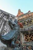 Wat Arun Ratchawararam Ratchawaramahawihan (Temple of Dawn) est un temple bouddhiste à Bangkok, Thaïlande photo libre de droits
