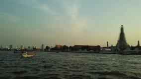 Wat Arun Ratchawararam Ratchawaramahawihan, Wat Arun, ναός της Dawn πέρα από τον ποταμό Chao Phraya κατά τη διάρκεια του ηλιοβασι Στοκ φωτογραφίες με δικαίωμα ελεύθερης χρήσης