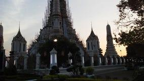 Wat Arun Ratchawararam Ratchawaramahawihan Wat Arun, tempel av gryning under solnedgång i Bangkok, Thailand Royaltyfri Foto