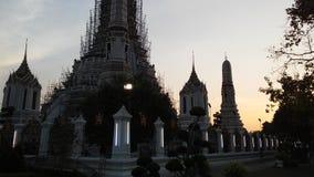 Wat Arun Ratchawararam Ratchawaramahawihan Wat Arun, tempel av gryning under solnedgång i Bangkok, Thailand Arkivfoton