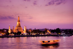 Wat Arun, río de Chao Phraya, Bangkok, Tailandia Fotos de archivo libres de regalías