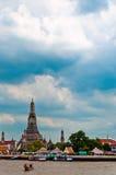 Wat Arun tempel i Bangkok - Thailand Arkivbilder