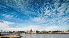 Wat Arun Temple av gryning i panoramautsikten Bangkok Thailand Arkivbilder
