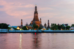 Wat Arun, The Temple of Dawn, at sunset Stock Photography
