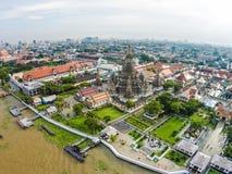 Wat Arun Temple et Chao Phraya Riverside à Bangkok Thaïlande Image libre de droits