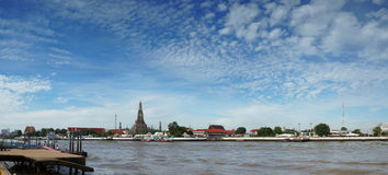 Wat Arun Temple van Dawn in Panorama Bangkok Thailand Stock Foto's