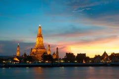 Wat Arun templet av Dawn Bangkok Thailand Arkivbild