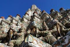 Wat Arun (templet av gryning) Royaltyfria Foton