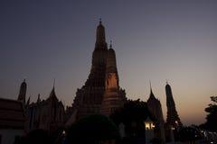 Wat Arun_Twilight Lizenzfreie Stockbilder