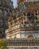 Wat Arun w Bangkok - świątynia świt Zdjęcia Stock