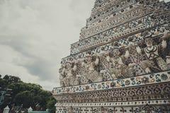 Wat Aun Architecture House da adoração a rezar para o budismo foto de stock