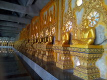 Wat Chai Mongkol Thailand oerhört konstverk Royaltyfri Fotografi
