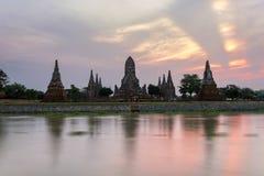 Wat Chaiwatthanaram i historiska Ayutthaya parkerar Arkivbilder