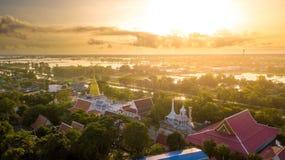 Wat Chaiyamongkol Bang Mul Nak för flyg- sikt landskap Phichit Thailand Royaltyfri Fotografi