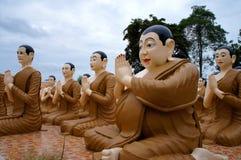 Wat Chak Yai Buddhist Park, Tailândia Imagem de Stock